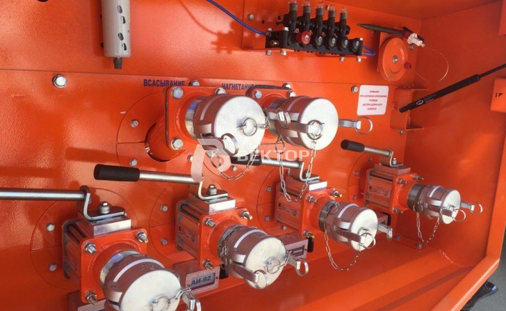 Полуприцеп-цистерна BONUM ГСМ 32 фото