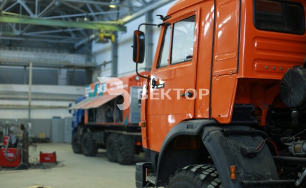 Передвижная воздушная компрессорная станция СДА-10/251М на шасси КАМАЗ-63501 фото