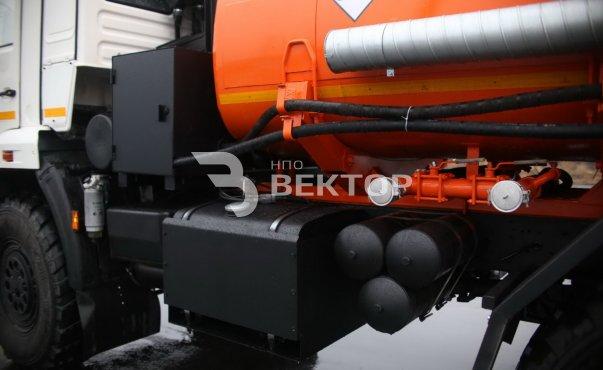 Автоцистерна для светлых ГСМ (бензовоз) АЦ-10 КАМАЗ-43118 фото
