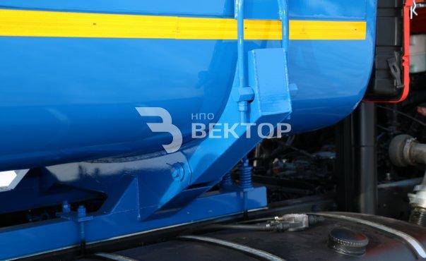 АЦНС-16,5 КАМАЗ-65111 с задним отсеком подогрева от ДВС