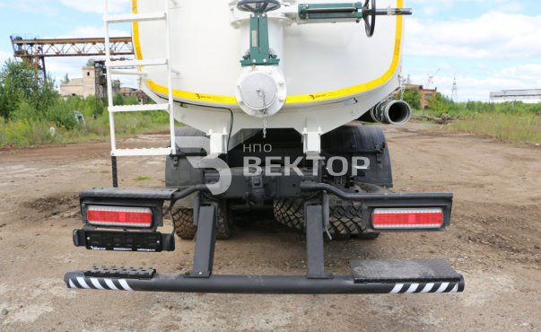 АЦН-20 КАМАЗ-6522 с задним сливом