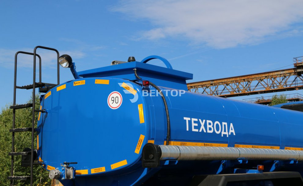 АЦВ-10 КАМАЗ-43118 с поливомойкой
